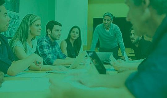 Programas de Treinamento - Desenvolvimento de cursos, a partir das necessidades de formação e capacitação da organização. Cursos presenciais e a distância.